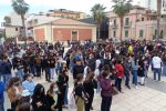"""Locri, al """"Mazzini"""" mancano le aule. Corteo di protesta degli studenti"""