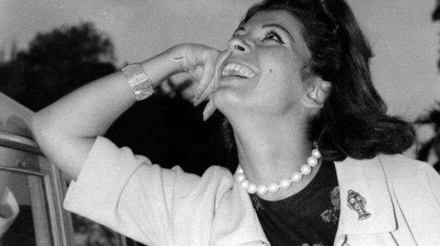 Luisa Mattioli, Roger Moore, Sicilia, Cinema