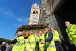 L'ultimo saluto a Salvatore Ada, il Duomo di Messina avvolto da applausi e palloncini