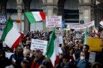 """""""Via il green pass"""", torna la protesta in piazza. Il no del Governo è perentorio"""