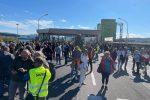 A Trieste focolaio tra coloro che avevano protestato: 46 i positivi al covid